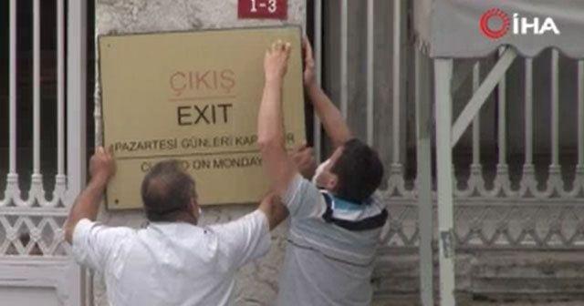 Ayasofya Camii'nde o tabelalar kaldırıldı