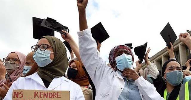 Brüksel'de başörtüsü yasağı protestosu