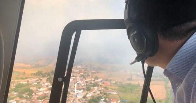Çanakkale alev alev yanıyor, Bakan Pakdemirli söndürme çalışmalarını havadan izledi
