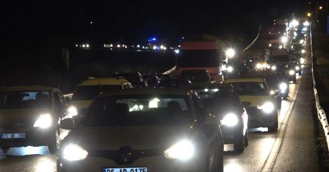 Geri dönüşler başladı, 43 ilin bağlantı noktasında trafik yoğunluğu