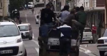 Bir kamyonet dolusu adamla geldiler, bıçaklayıp gittiler