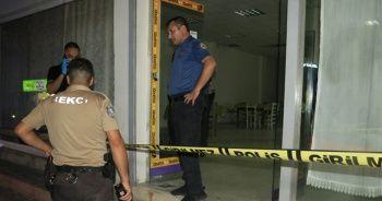 Kahvehanede oturan kişi başından ve karnından vurularak infaz edildi