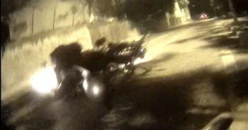 Motosikletli ile kağıt toplayıcısının çarpıştığı kaza kamerada