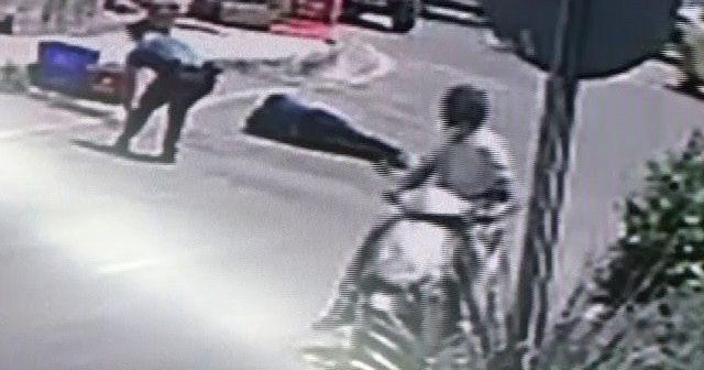 Yaralı polis saldırganı etkisiz hale getirdi