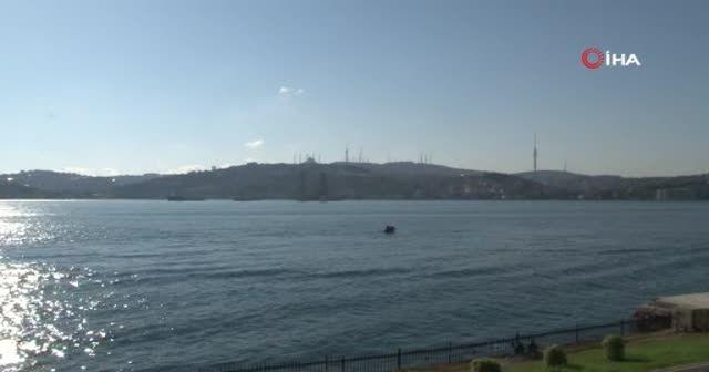 Dev petrol platformu İstanbul Boğazı'ndan geçiyor