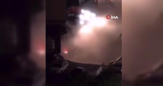 Çin'de yol çöktü, 21 araç hurdaya döndü