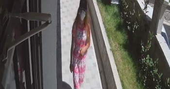 Maskeli kadın hırsızlar güvenlik kameralarını hesaba katmayınca yakayı ele verdi