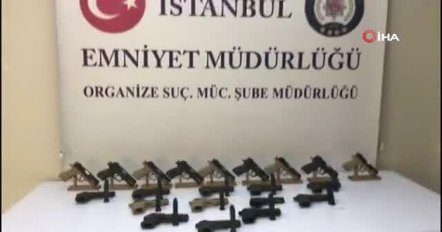 Küçükçekmece'de namlusu değiştirilen 21 adet tabanca ele geçirildi