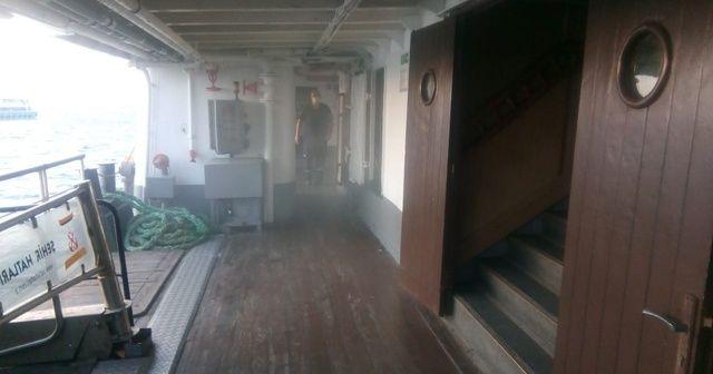 Şehir hatları vapurunun motor dairesinde korkutan yangın