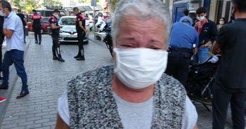 72 yaşındaki yaşlı kadın maske takmayanlar için gözyaşlarına boğuldu