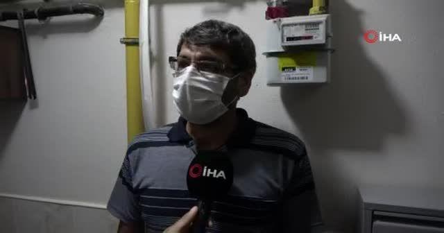 Muhtar vaka görülen apartmanları tek tek dezenfekte ediyor