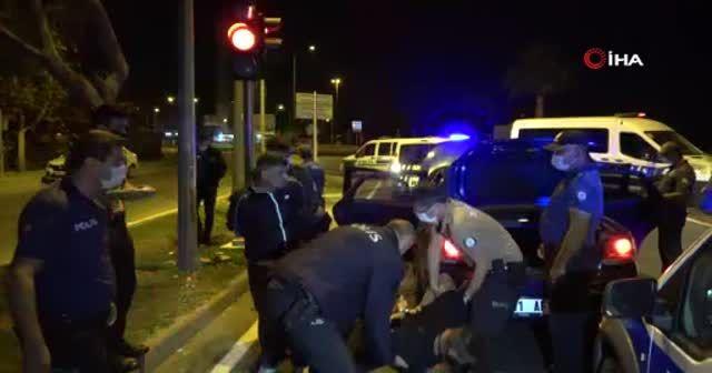 10 kilometre kaçtıktan sonra yakalanan otomobilde ruhsatız pompalı tüfek çıktı