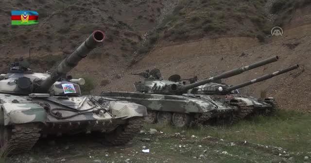 Azerbaycan ordusunun ele geçirdiği askeri araç ve silahlar