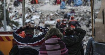 İzmir'de enkaz çalışmaları sürüyor