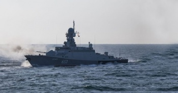 Rusya, Hazar Denizi'ndeki tatbikatın görüntülerini yayınladı