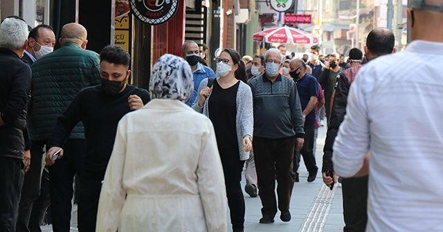 Maske takan gençten maske takmayan gençlere tepki