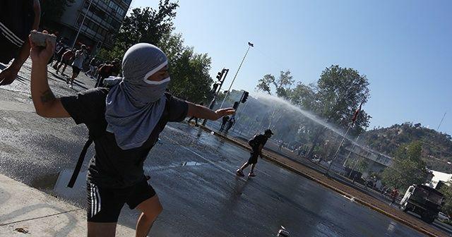 Şili'de referandum öncesi halk sokaklara döküldü