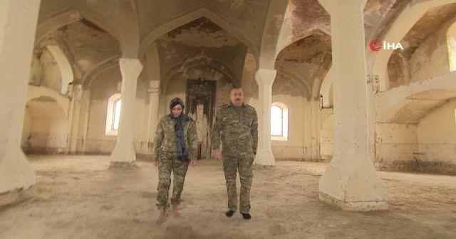 Aliyev ve eşinden örnek hareket