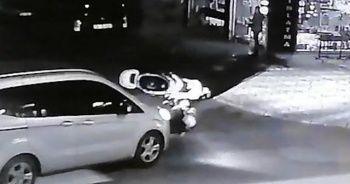 Elektrikli bisikletli iki kardeşe ticari araç çarptı