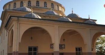 Hırsızlar camiyi talan etti