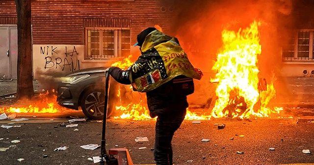 Fransa'da güvenlik yasası karşıtı protestoda şiddet olayları patlak verdi