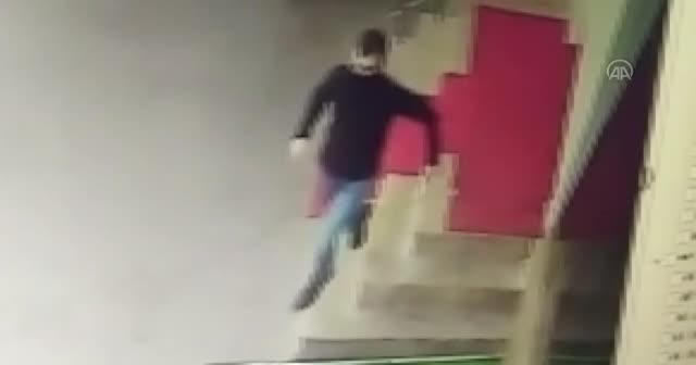 Kahramanmaraş'ta polis ekibine silahla ateş edildi