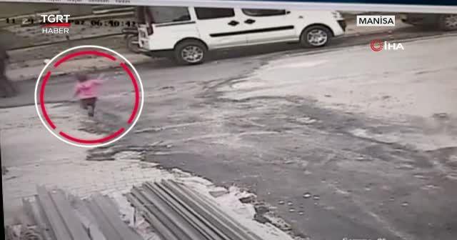 Manisa'da pes dedirten görüntü! 3 yaşındaki çocuğa çarpıp kaçtı