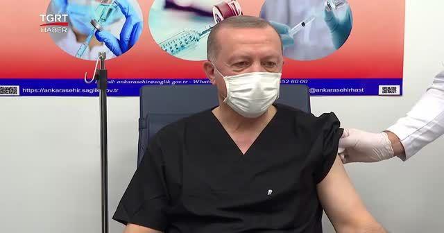 Cumhurbaşkanı Erdoğan'ın Kovid-19 aşısı olduğu anlar