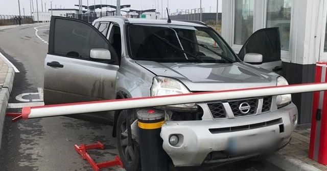 Kırım'a kaçak girmeye çalışan sürücüye sert müdahale