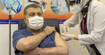 Bakan Koca, aşı uygulamalarıyla ilgili bilgileri paylaştı