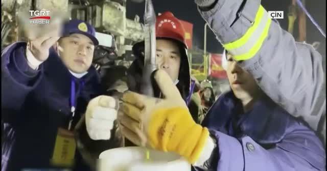 Çin'de altın madeninde göçük meydana geldi