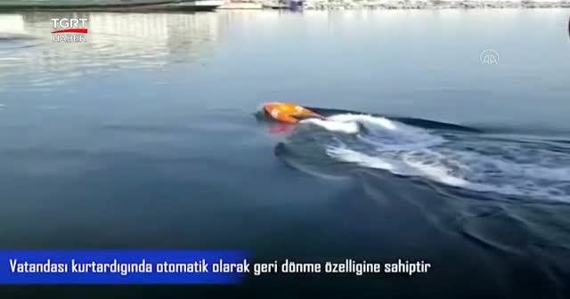 Denize düşen kumandalı simide sarılacak