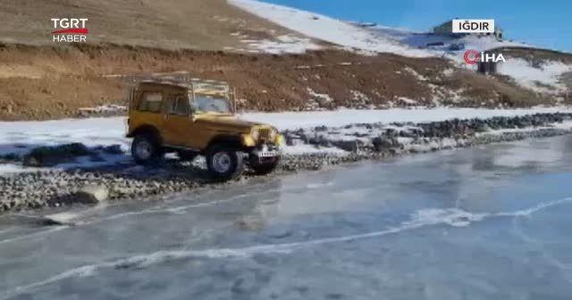Donmuş göl üzerinde Off-Road heyecanı