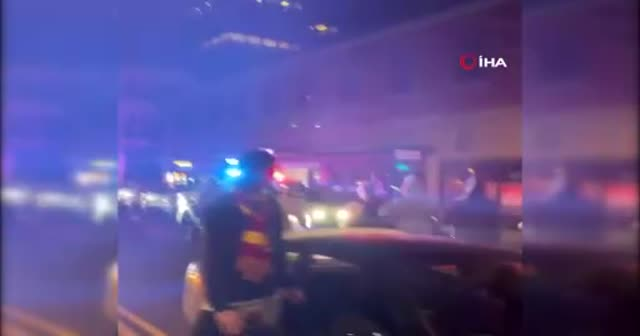 Polis aracı sokak yarışçılarını ezdiği anlar