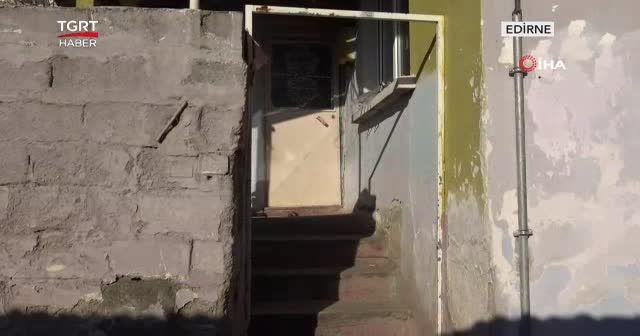 Rögar kapakları ve iki evin kapısı çalındı