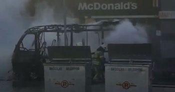 Yolcu minibüsü yandı