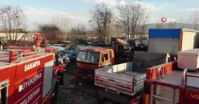 Arazide yakılan ateş 30'a yakın aracı kül etti