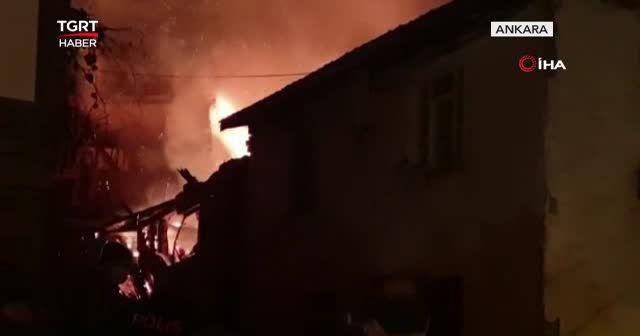 Başkent'te geceyi alevler aydınlattı