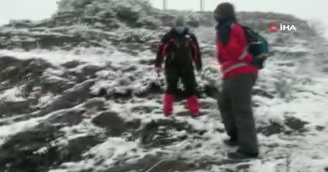 Belekoma Kalesi'nde mahsur kalan şahıs donmak üzereyken kurtarıldı
