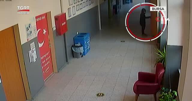 Çocuklar okulun yardım parasını çaldı