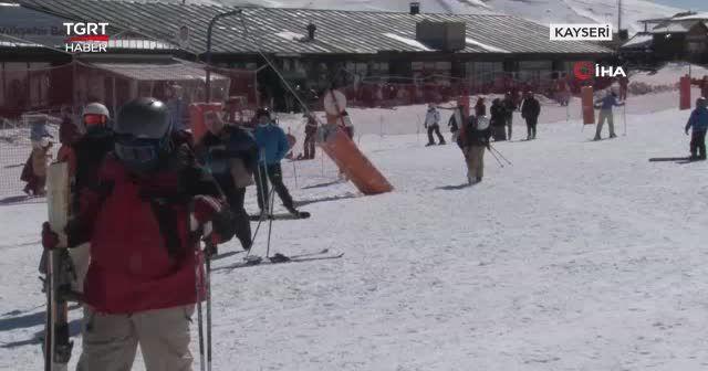 Kar tutkunları Erciyes'te