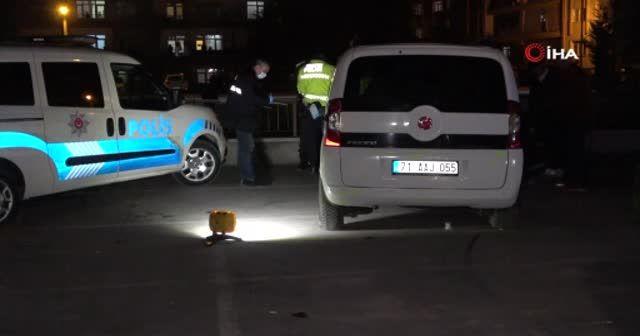 """Polisin """"dur"""" ihtarına uymadı, trafikte dehşet saçtı: Araç lastiği patlatılarak durduruldu"""