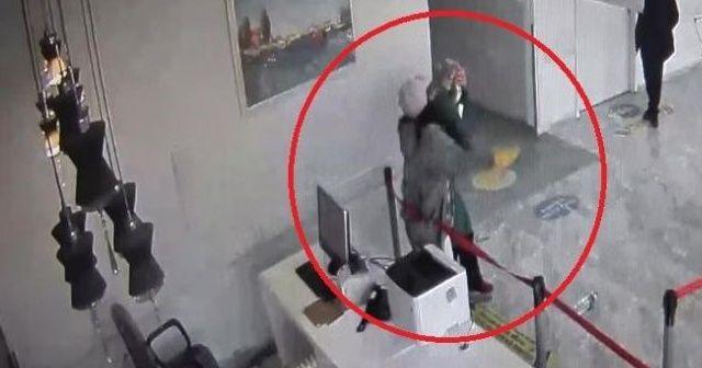 Hastanede sağlık çalışanına saldırı anı