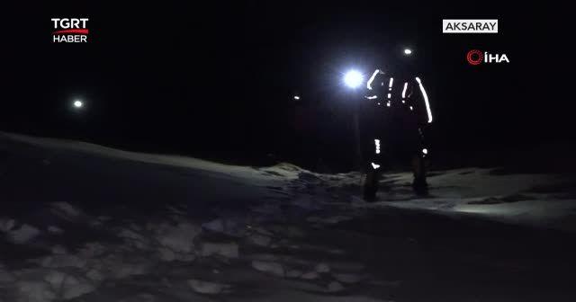Kadın dağcılar helikopterle kurtarıldı