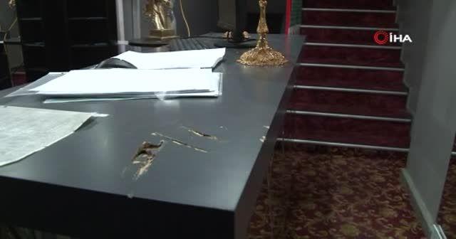 Satırla oteli basarak dehşet saçtı