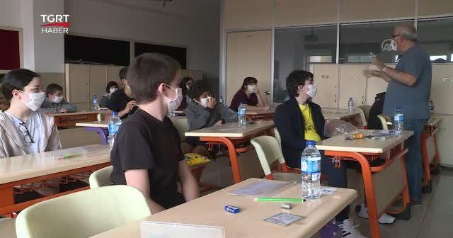 Ortaokullarda sınavlar 3 Mayıs'a ertelendi