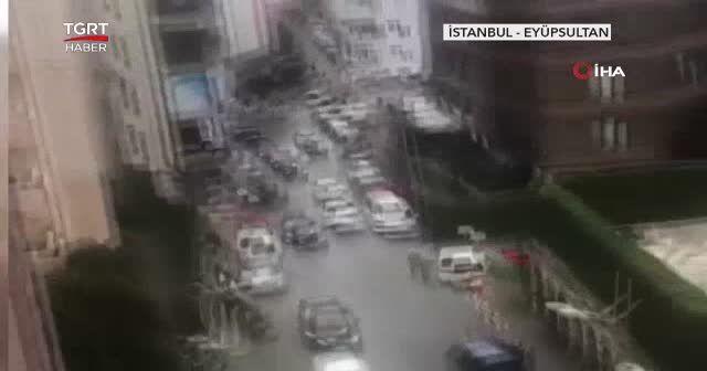 2 grup sokak ortasında çatıştı