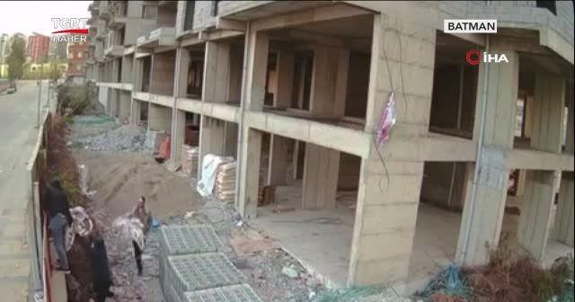 20 dakikada inşaatı soydular