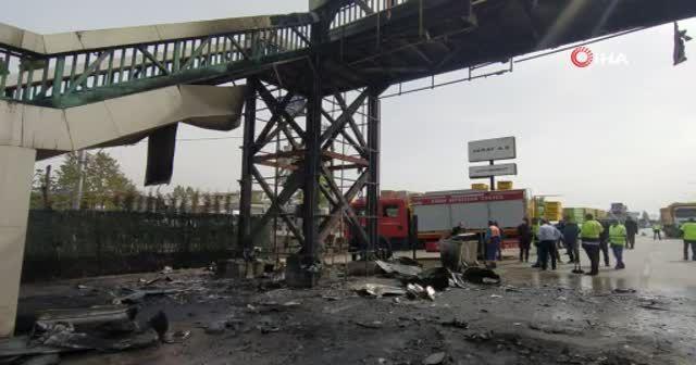 Bursa'da korku dolu anlar...Üst geçit alev alev yandı