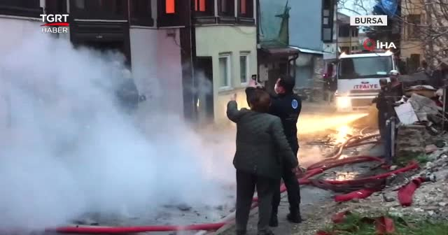 Bursa'nın tarihi evlerini kim yakıyor?